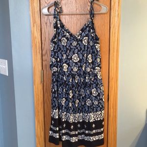 Loft floral print dress size medium NWT